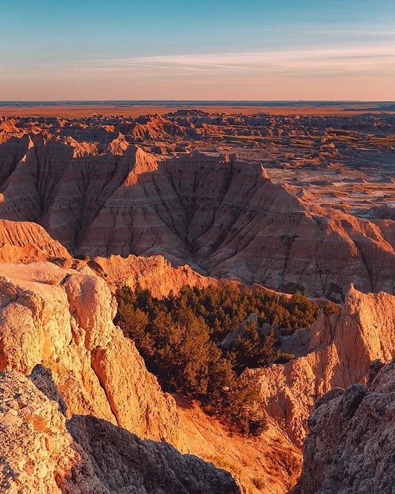 Badlands National Park, South Dakota.jpg